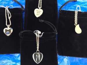 memorial pendants to hold ashes